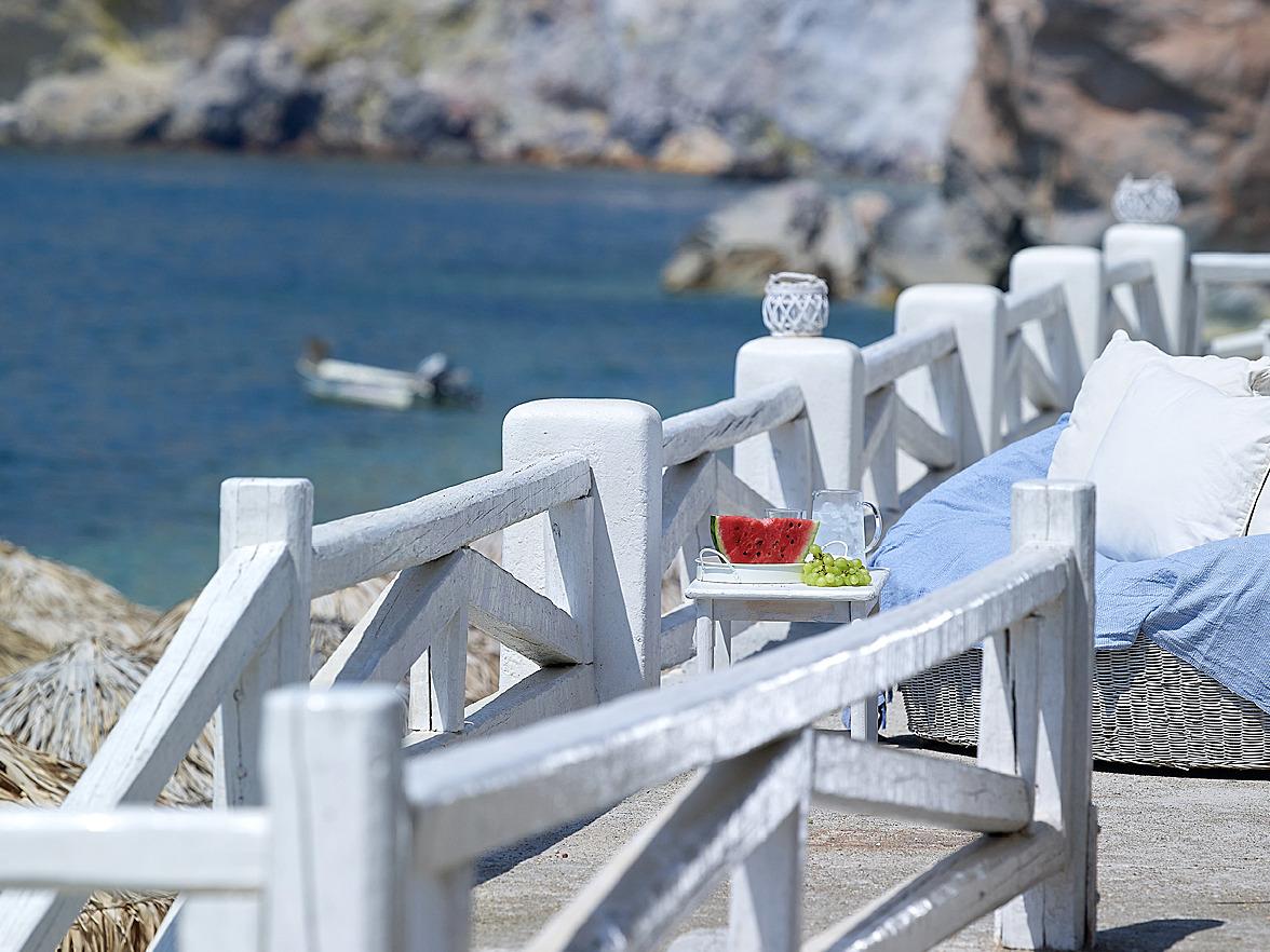 Beach_bar_sea_view_magic_summertime_having_fun_summer_Artemis_Deluxe_Rooms_Milos_island_Greece_Cyclades